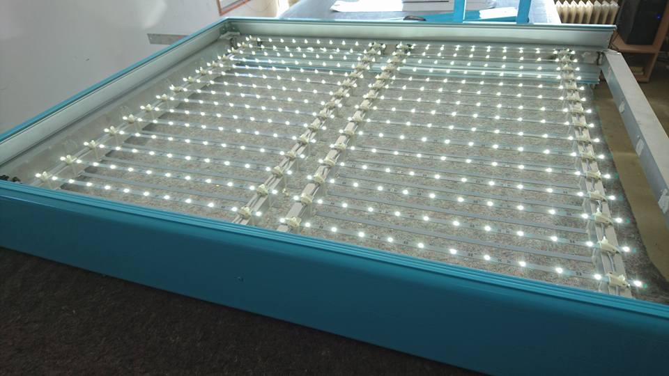 Enseigne lumineuse enseigne 84 priscilla metzler for Caisson lumineux exterieur